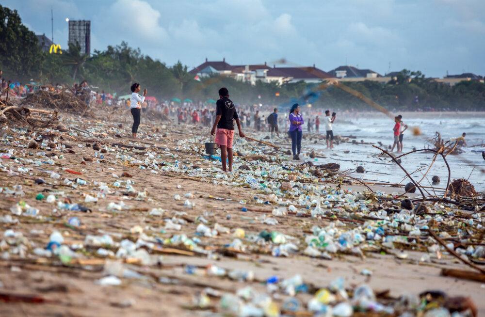 FOTOD   Hispaania rannikult leiti ese, mis näitab, kui ohtlikult kaua plastik looduses säilib