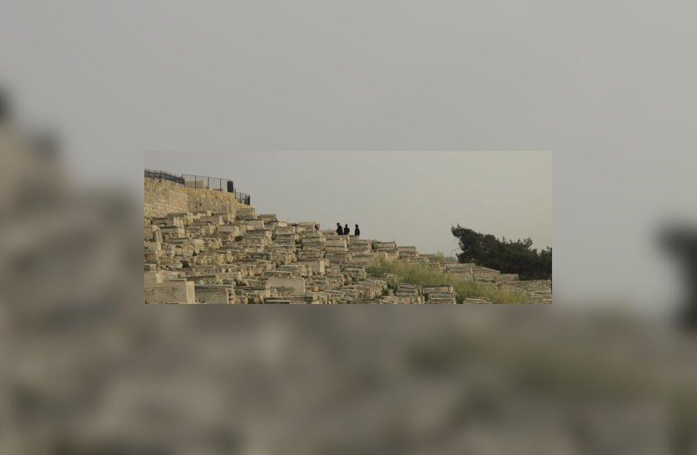 Juudid kalmistul