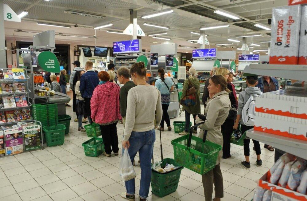 Seni on Soome tarbijate ühistutele kuuluval Prismal Eestis olnud ainult suured hüpermarketid, kuid enamik juurde tehtavaid poode järgib kodulähipoe ehk supermarketi kontseptsiooni.