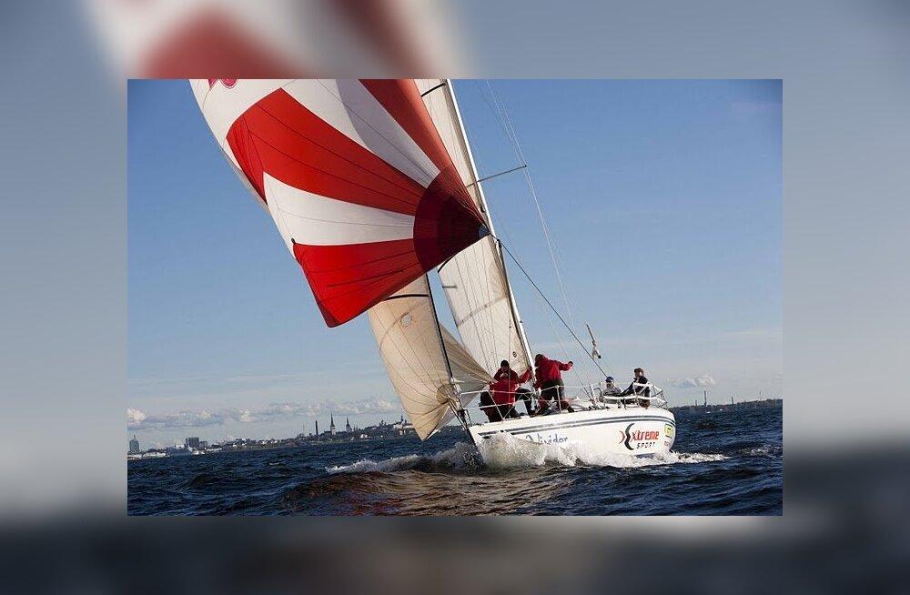 Delfi-KJK neljas kolmapäevaregatt peeti tugevas tuules