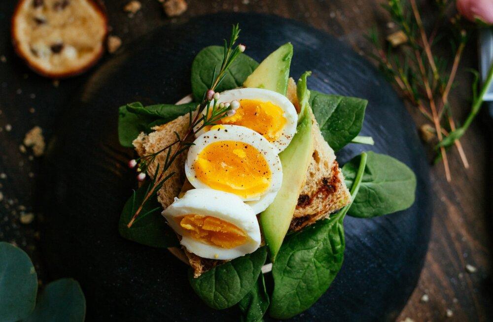 Patuvaba nauding: teeme selgeks, kuidas teha väljas süües tervislikum toiduvalik
