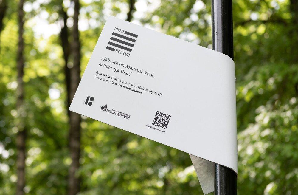 Raamatukoguhoidjad tähistasid üle Eesti siltidega sada jutupeatust