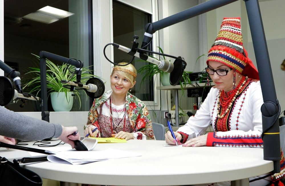 """Haldi Normet-Saarna 7. novembril                                 eetrisse jõudva saate """"Ma elan siin"""" külalised on komilanna Natalia Ganova ja ersalanna Natalia Abrosimova."""