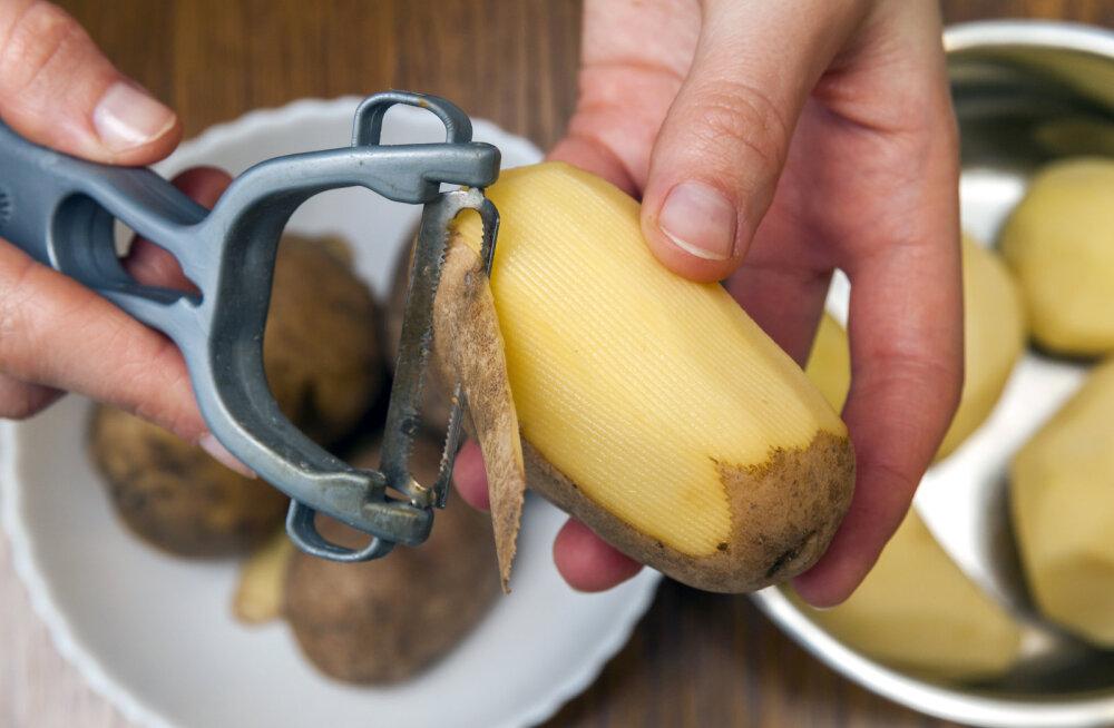 Kartulikoorijal ei pea olema ainult üks otstarve! Köögis leidub sellele veel üks rakendus