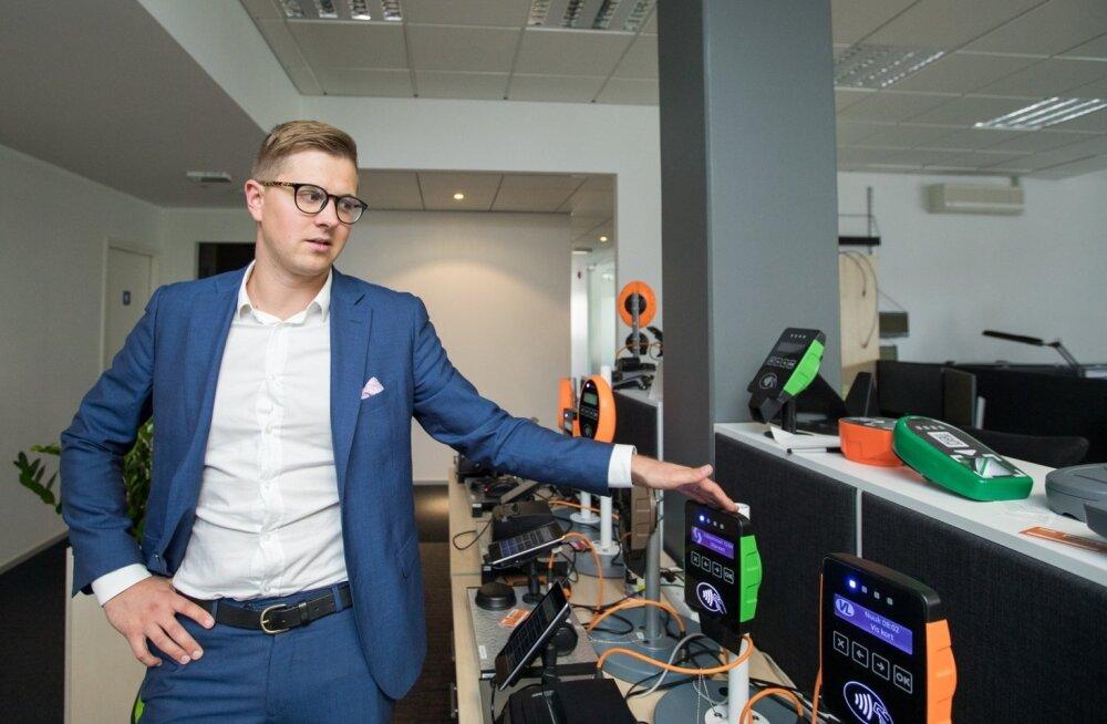 Tegevjuht Erki Lipre demonstreerib Ridango validaatorite seeriat.