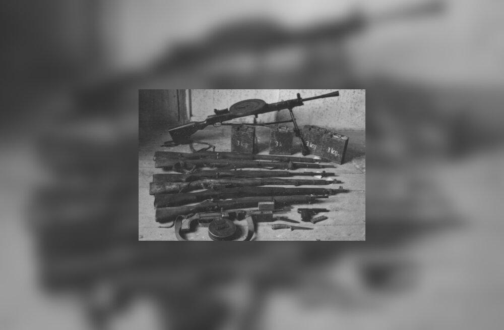 KATKEND RAAMATUST | Kuidas elasid Kõrgessaare metsavennad 1941. aastal?