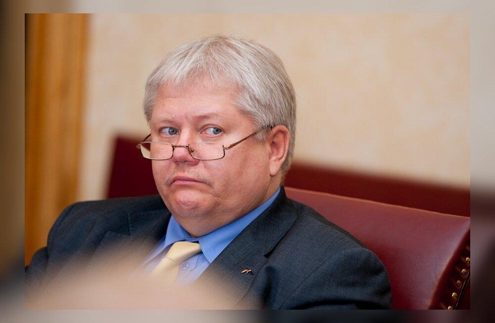 Lang tülitseb 25 000 euro pärast Tartu kunstnikega