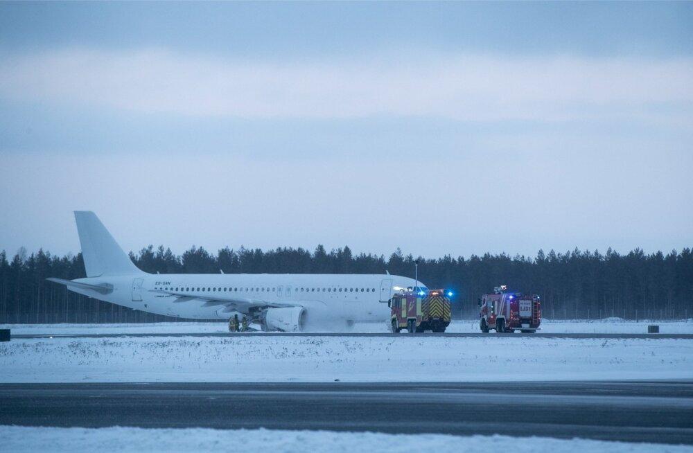 Tänavu 28. veebruaril sõitis SmartLynxi lennuk Tallinna lennujaamas rajalt välja.