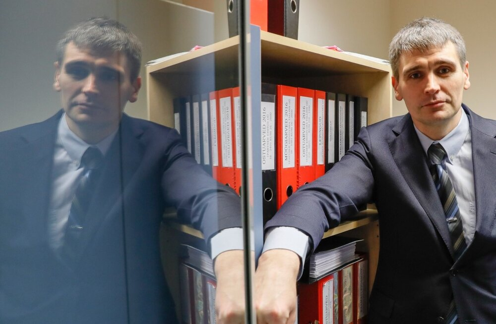 1Partner Kinnisvara tegevjuht Martin Vahter nendib, et ehkki seaduse järgi peaks maakleritasud üldjuhul kandma üürileandja, on praktika vastupidine.