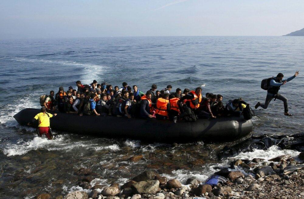 Kreeka paigaldab Egeuse merre ujuva barjääri, takistamaks põgenikel Euroopasse jõuda