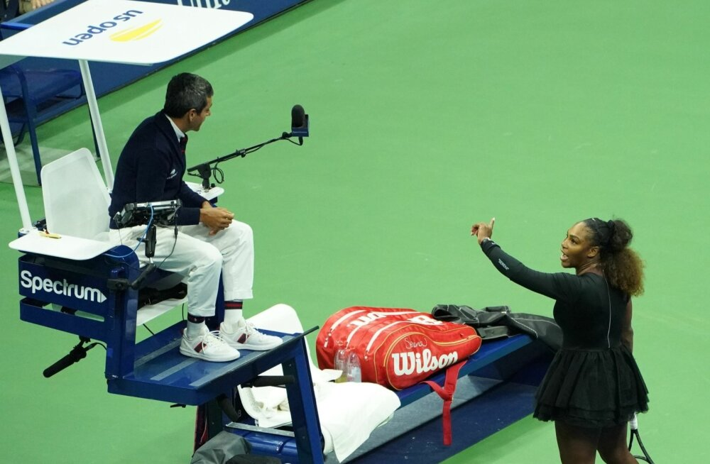 Carlos Ramos ja Serena Williams