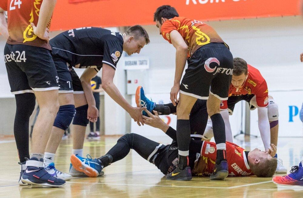 Võrkpalli Eesti meeste meistrivõistluste kullaseeria avamängus sai Tallinna Selver koduväljal Tartu Bigbankilt raske võidu.