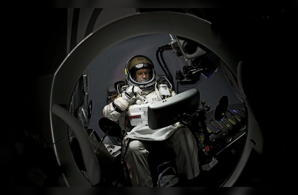 Felix Baumgartner valmistumas missiooniks Red Bull Stratos