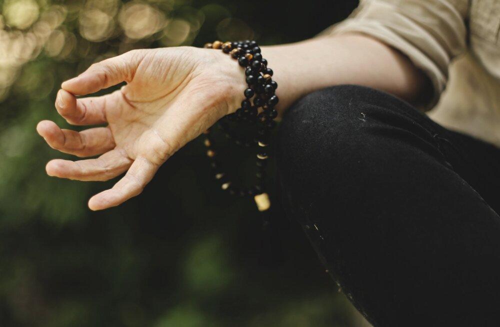 Kuidas leida tasakaal tänases kiirustavas ühiskonnas? Siin on mõned head nõuanded joogaõpetajalt, mis aitavad sul rahuneda