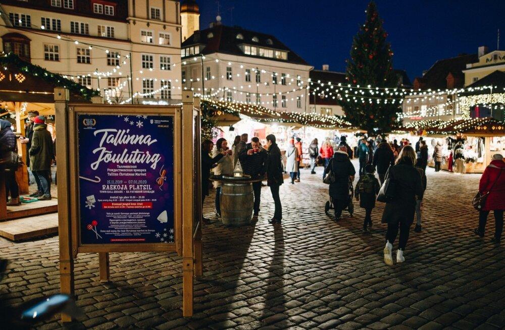 ФОТО | Шоколад с рыбой, экскурсии и море развлечений: что предлагает в этом году Рождественский рынок в Таллинне