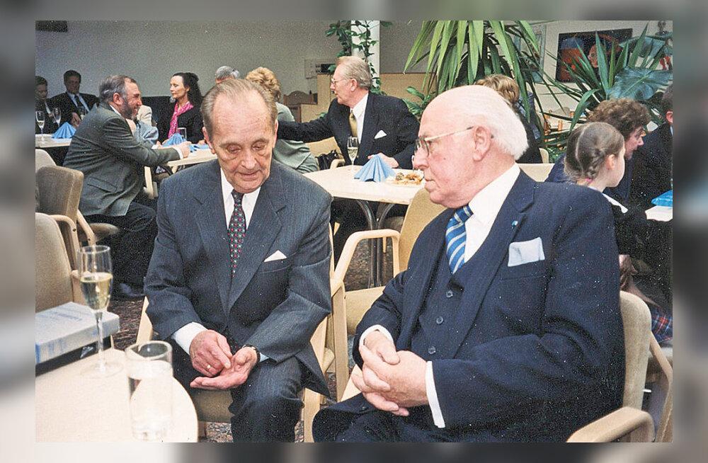 MAALEHE ARHIIVIST | Vaino Väljas Lennart Merist: sõber ja parim reisikaaslane