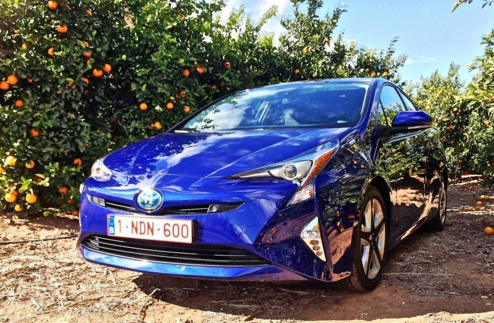 Hübriidide ema: Toyota Prius tuleb neljandat korda - moodsamalt kui eales varem