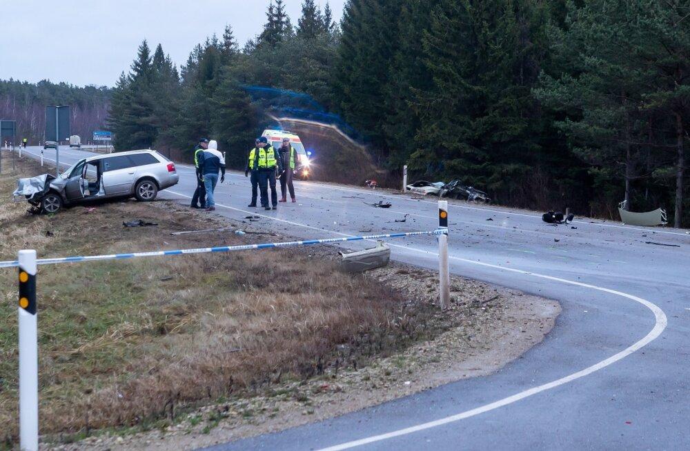 Kolme hukkunuga liiklusõnnetus Saaremaal
