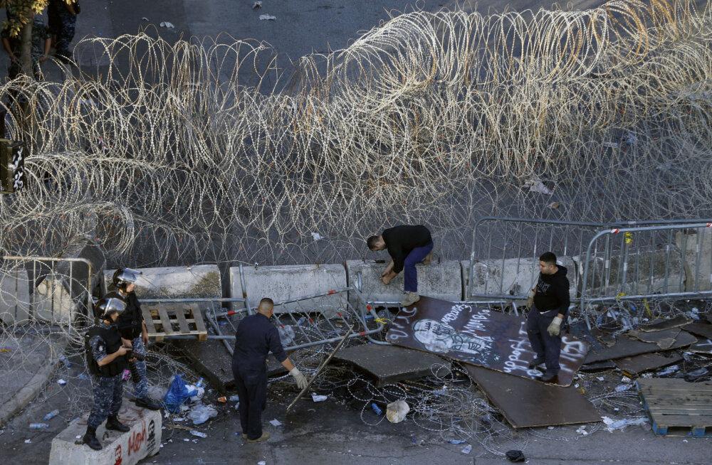 Kriisis Liibanoni võlakirjade tootlus on üle saja protsendi