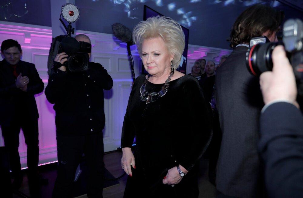 FOTOD | Anne Veski auks avati Maarjamäe lossis suur näitus: peole tuli mitmeid kuulsaid nägusid!