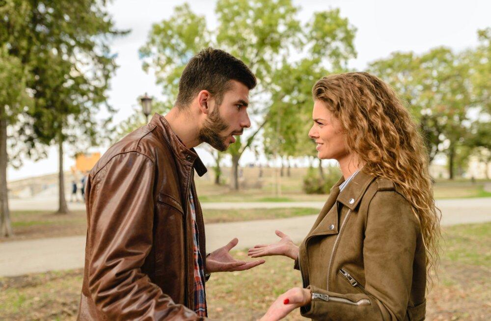 """""""Неужели не догадываешься?"""" 10 фраз, которые не стоит говорить мужчине"""