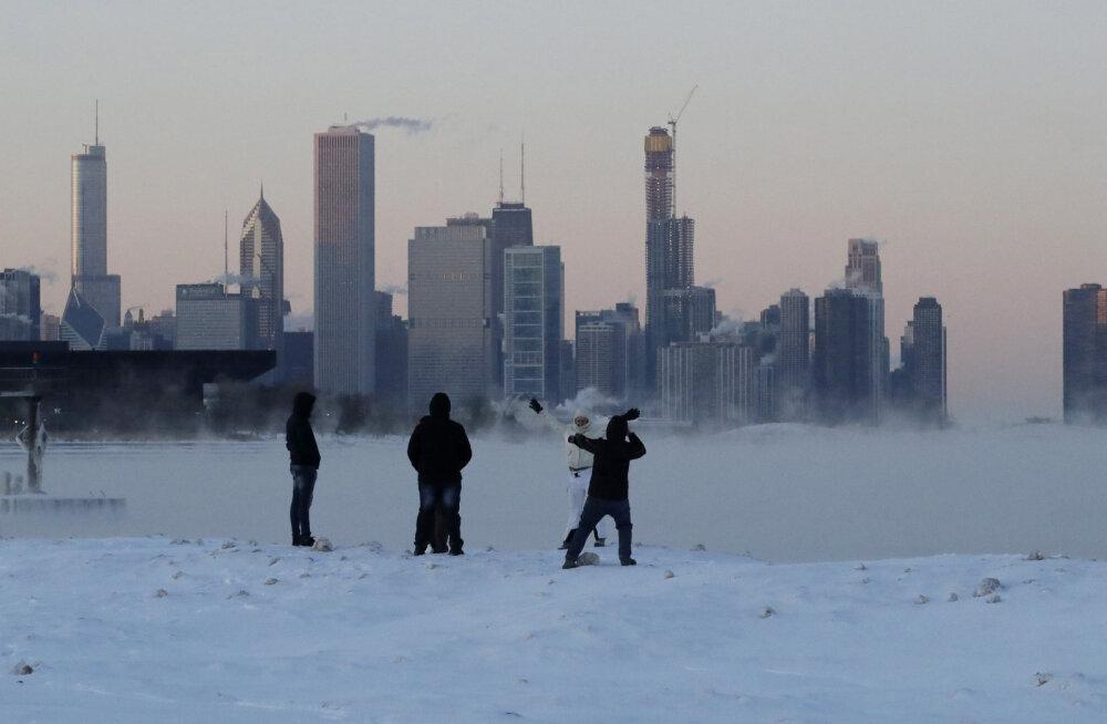 USA vaevleb hirmsa külma käes: Chicagos on külmem kui mõnes Antarktika soojemas paigas