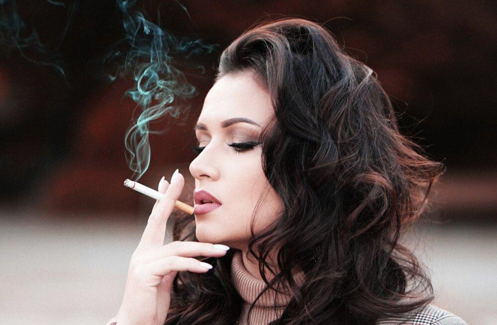 Need on muutused hammaste juures, mis suitsetajatel sageli märkamata jäävad