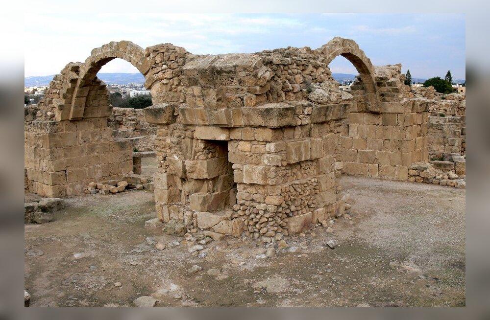 Vana kindluse käimla paljastas: 13. sajandi ristisõdijad olid hädas sooleparasiitidega