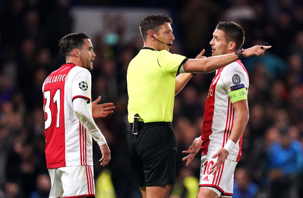 Ajaxi kapten: kohtunik röövis meilt võidu
