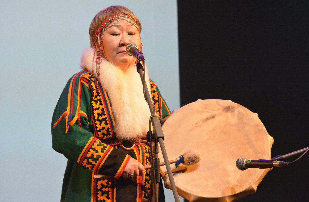 Täna avatakse Hõimupäevad soome-ugri pühapaikade näituse ja põliskeelte konverentsiga