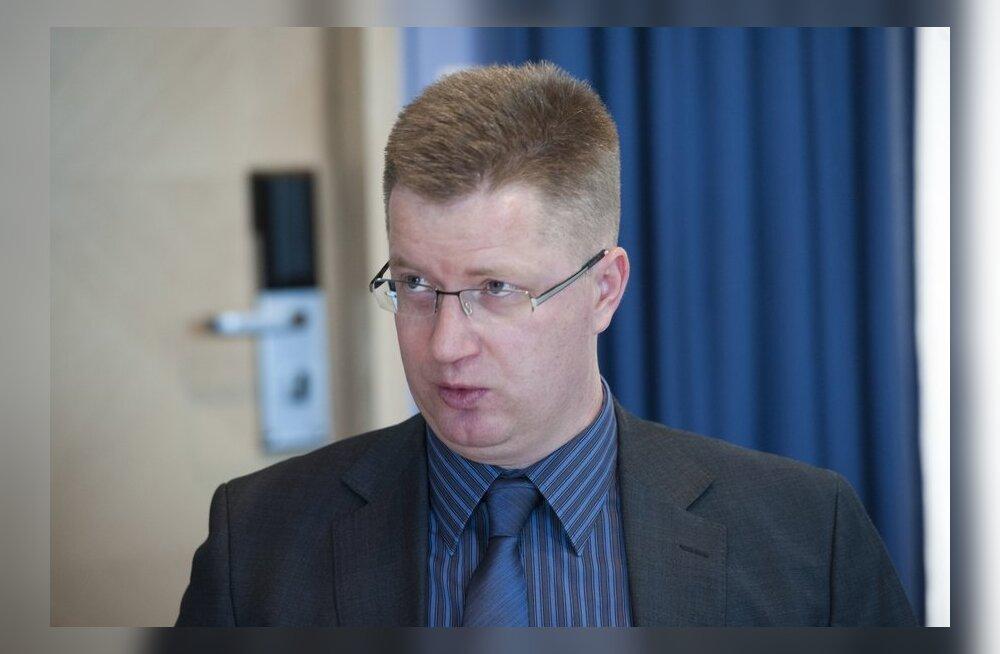 Судебный исполнитель: взыскание алиментов в Эстонии усложняют зарплаты в конвертах