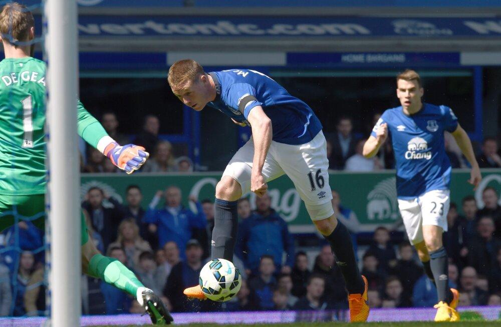 James McCarthy (Everton) lööb ManU-le värava
