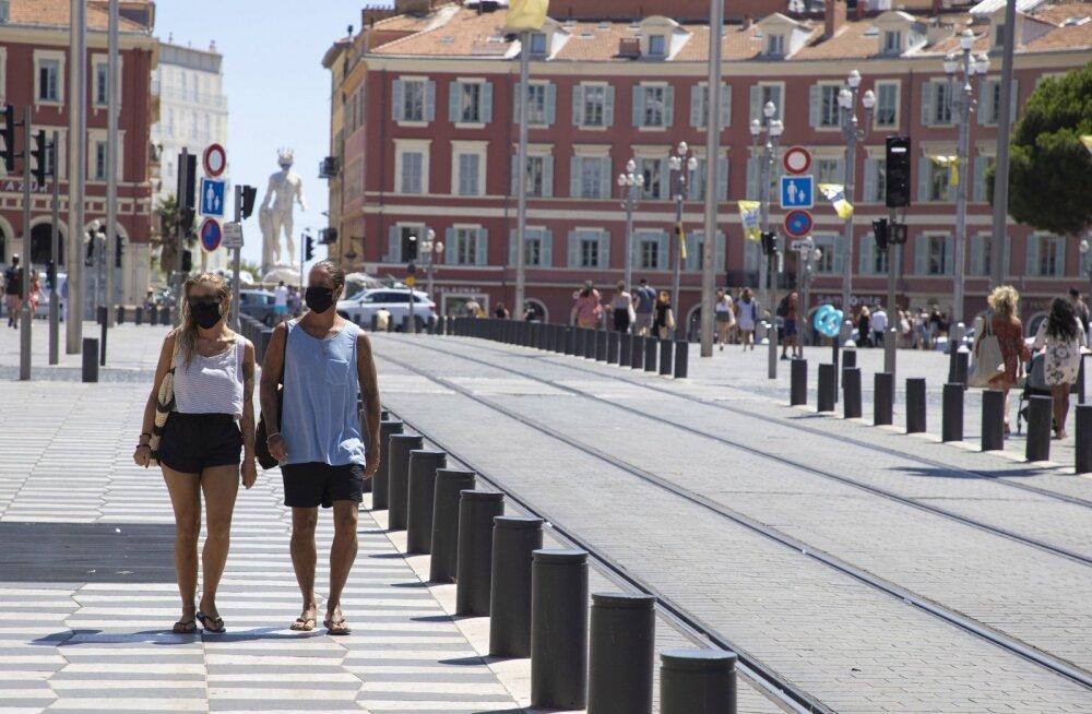 Вторая волна коронавируса может оставить туристов за границей в западне