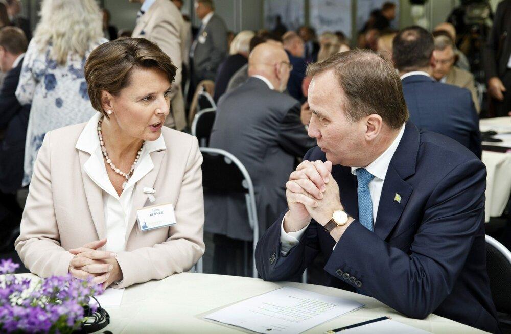 Soome majandus- ja transpordiminister Anne Berner (vasakul)