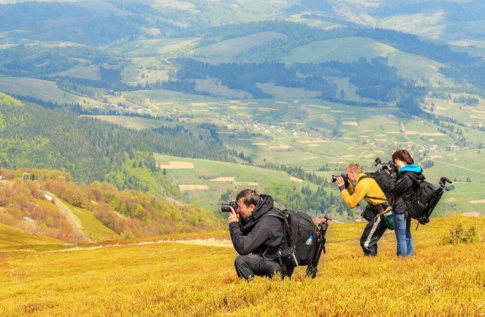 Маленькая фотография — большие проблемы: что не должно попасть в объектив туристов в разных странах