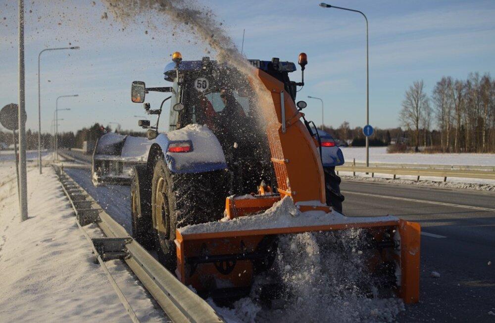 Kindlasti on talvel ohutul liiklemisel oluline roll liiklejal endal. Tuleb olla tähelepanelik, valida teeoludele vastav sõidukiirus ja kui juht ei tunne end roolis piisavalt kindlana, siis tasub valida mõni teine liiklemisvahend.
