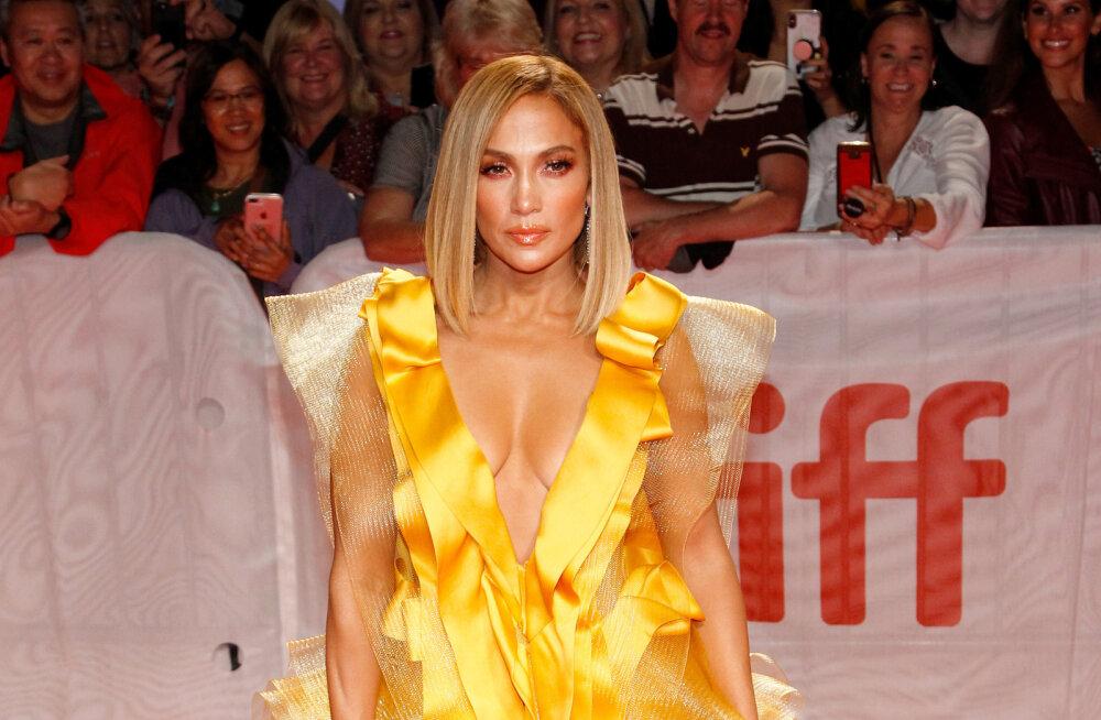 FOTO | Kortsukesed ja ebaühtlane näonahk: milline näeb Jennifer Lopez ilma fototöötluseta välja?