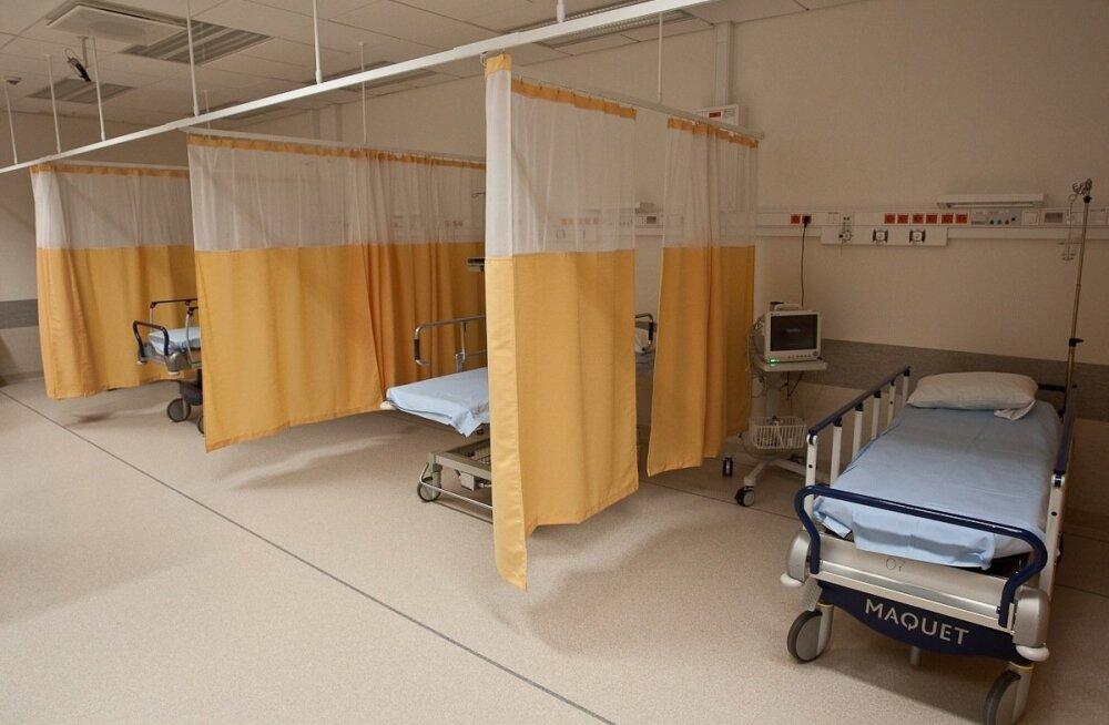Inimesed peavad lähedase haiglas külastamisega veel ootama.