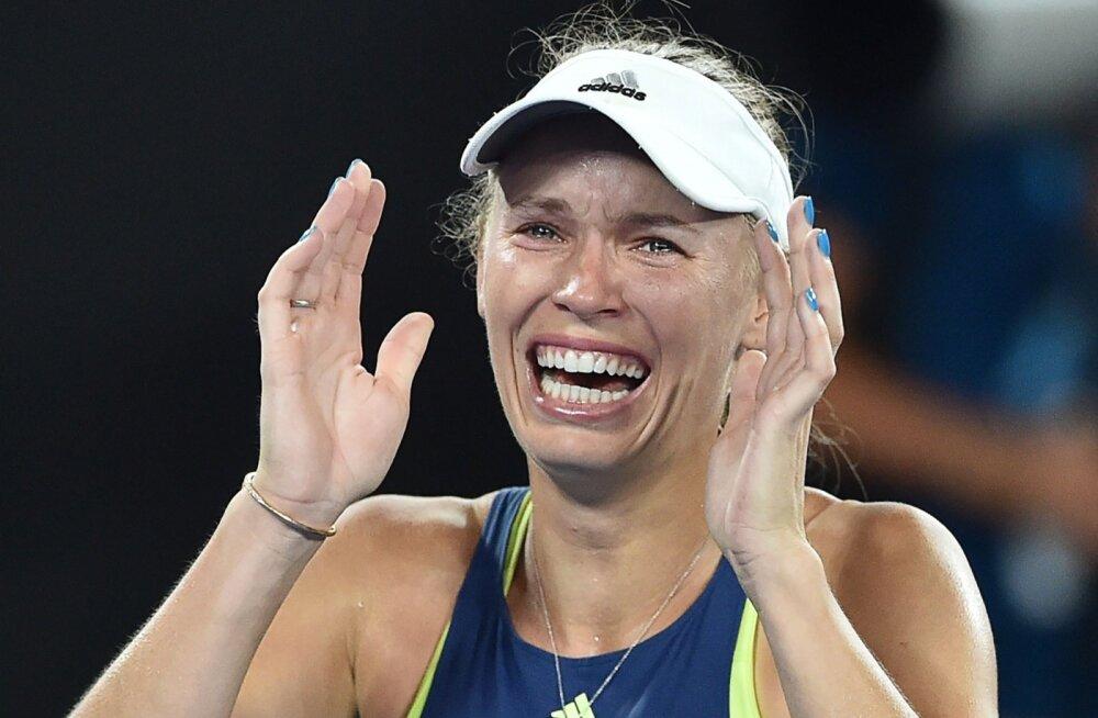 Caroline Wozniacki ei suuda uskuda, et on lõpuks ometi võitnud suure slämmi.