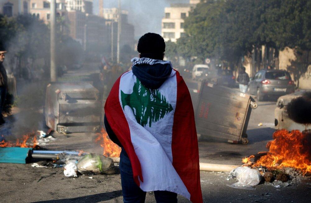 ÜLEVAADE | Liibanon on kokkuvarisemise äärel. Kohalikud müüvad poest liha ostmiseks maha oma abielusõrmused