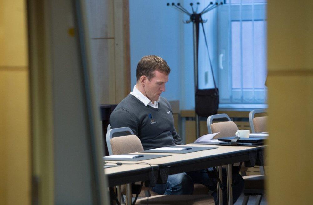 Üksik hunt Ott Kiivikas, ainus tegevsportlane EOK täitevkomitees. Ühtlasi ainus, kes julgeb öelda, et katuseraha on jama.