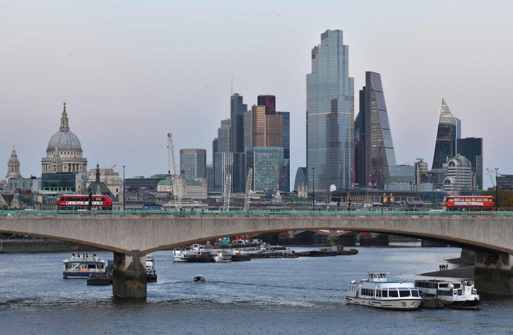 Ajaleht: Briti valitsus kehtestab üleriigilise karantiini
