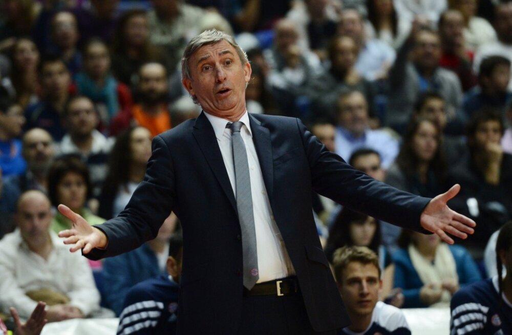 Svetislav Pesic ei saa kohtunikest aru