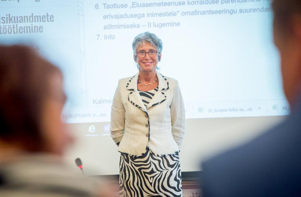 Monika Salu katsetab Kuusalus kriitikute kiuste Eesti omavalitsustes enneolematut juhtimismeetodit