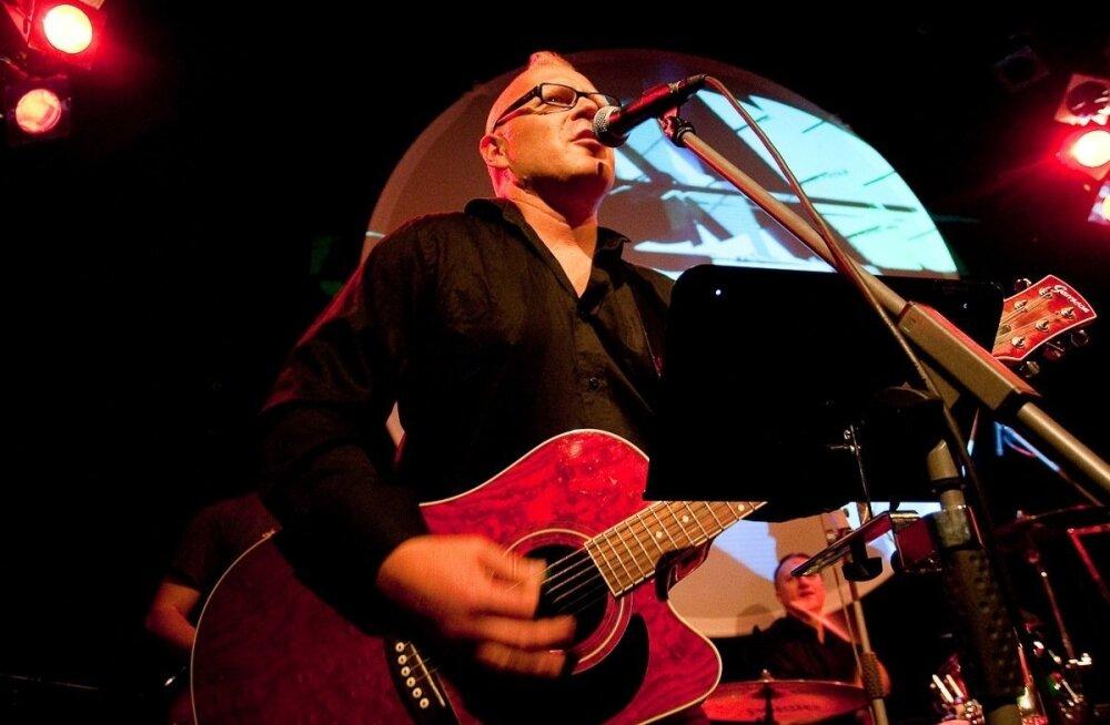 В ДТП в Нымме погиб басист эстонского ансамбля Kosmikud. Его на машине сбил новый сожитель экс-супруги музыканта