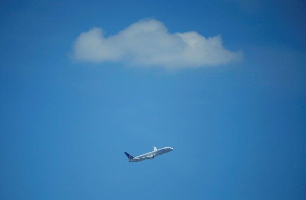 Lolluse vastu ei aita miski: reisisaatja lekitas lennu ajal tähtsat infot veebi