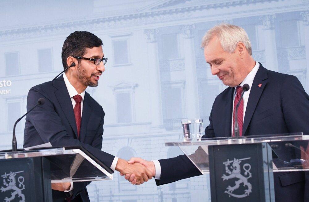 Google'i juhatuse esimees Sundar Pichai( vasakul) ja Soome peaminister Antti Rinne.