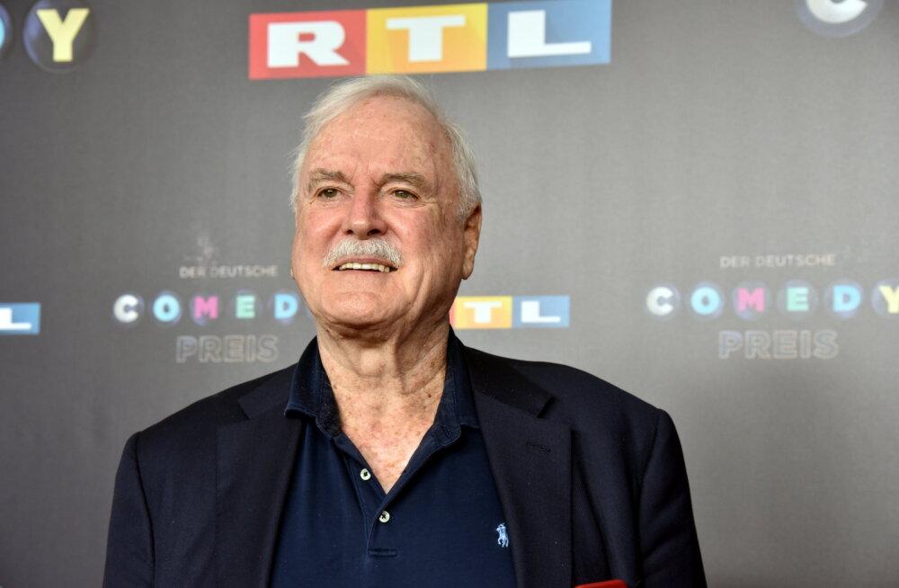 """""""Monty Pythoni"""" looja John Cleese käis noa all: see on vaid kriim"""