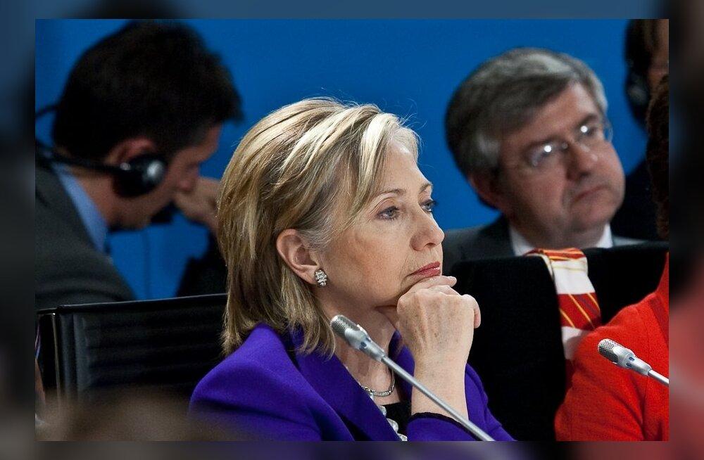"""Клинтон """"серьезно озабочена"""" качеством проведенных в РФ выборов"""