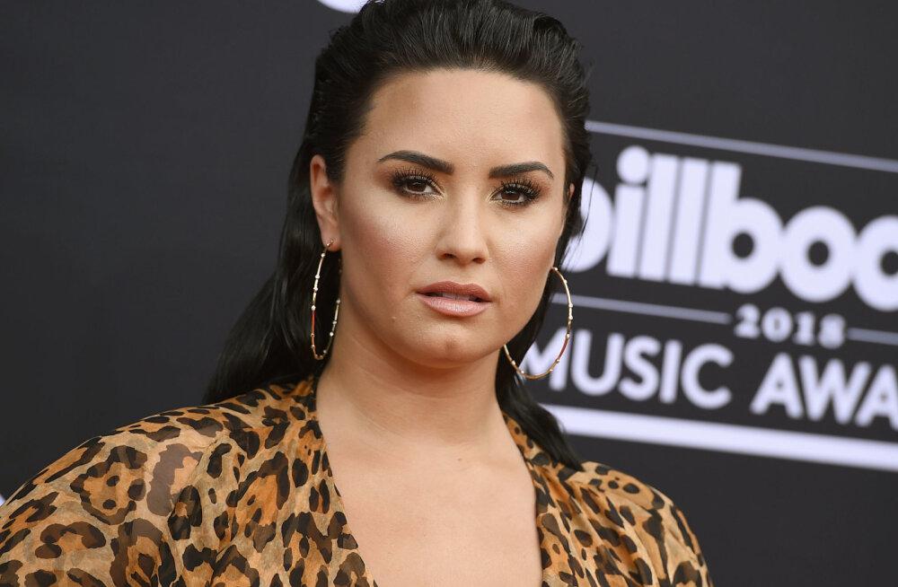 Tohoh! Demi Lovato tegi endale tätoveeringu, mis on pühendatud kellelegi väga olulisele